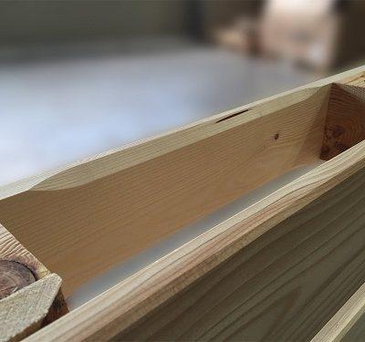 hochwertige neue Möbelpalette - aufwändig gehobelt und geschliffene Europalette - 120 x 80 cm von PALetta